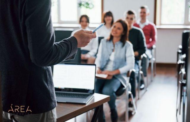 Clase de formación profesional para el empleo. Certificados de profesionalidad